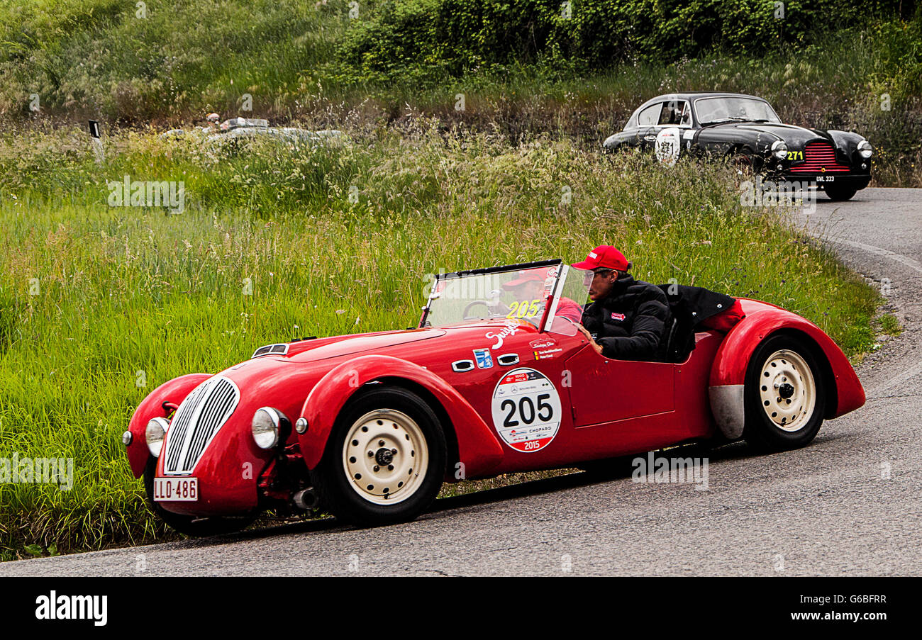 HEALEY 2400 Silverstone 1950 old racing car in rally Mille Miglia ...