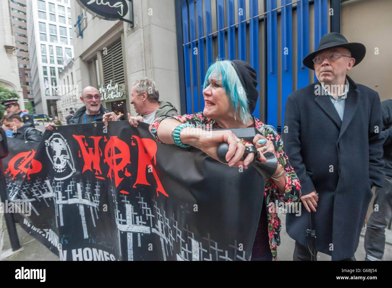 London, UK. June 29th, 2016. Class War suppot the striking cleaners belonging to the United Voices of the World Stock Photo