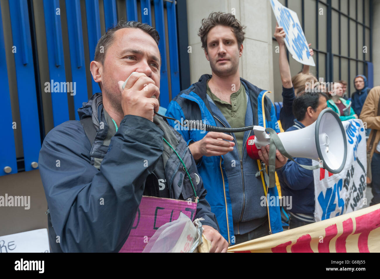 London, UK. June 29th, 2016. Rob Willimas, Chair of the National Shop Stewards Network speaks in support of the Stock Photo