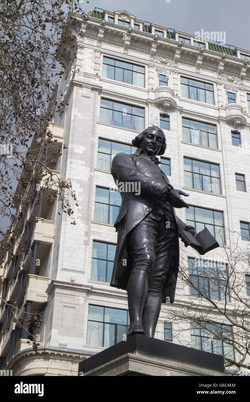 Statue of Robert Raikes, the founder of the Sunday School Movement at Victoria Embankment Gardens, London - Stock Image
