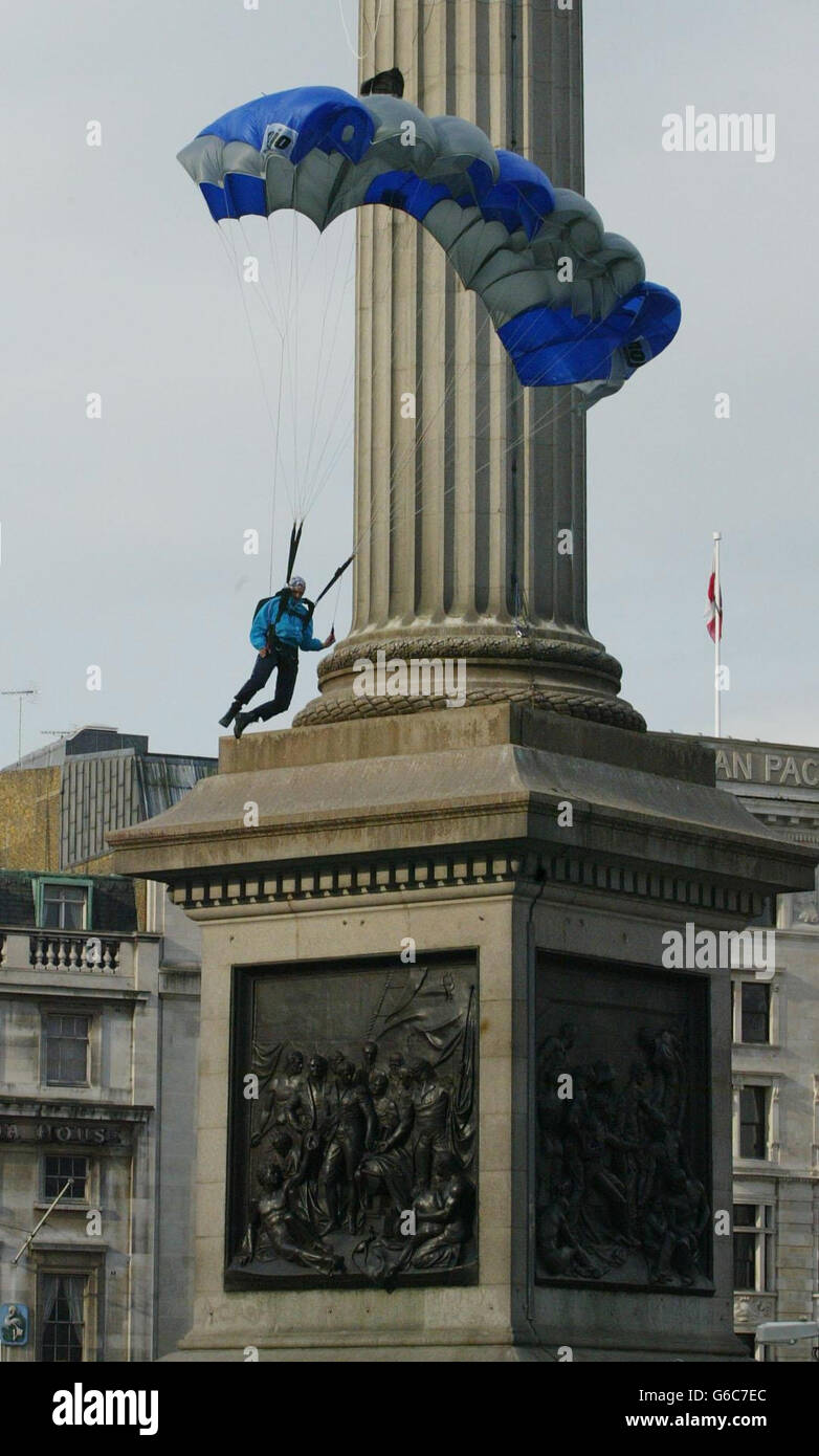 Gary Connery Nelsons Column basejump - Stock Image
