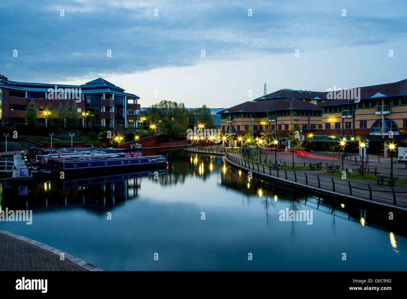 Boats, offices and restaurants at The Waterfront, Merry Hill, Brierley Hill, West Midlands - Stock Image