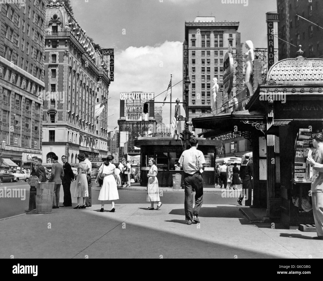 18 And Older Hotels In New York: 1950s NEW YORK CITY TIMES SQUARE WEST 43RD STREET LOOKING