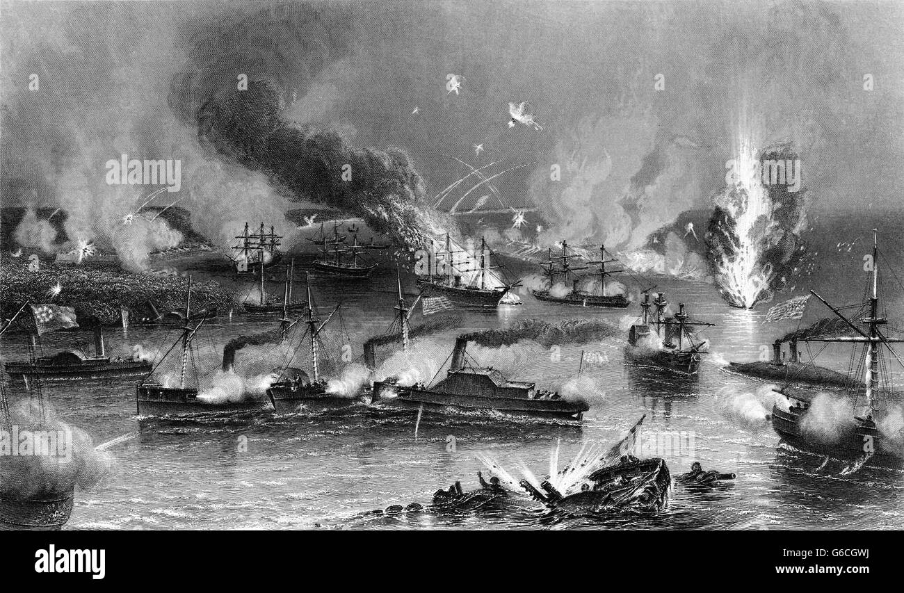 1860s MAY 1862 CAPTURE OF NEW ORLEANS FEDERAL FLEET PASSING MISSISSIPPI RIVER FORTS UNION NAVAL VICTORY - Stock Image
