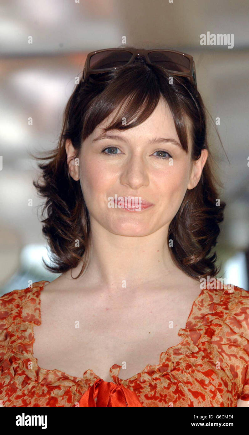 Young Emily Mortimer naked (77 photo), Sexy, Sideboobs, Feet, panties 2017