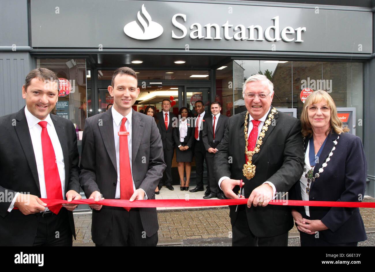 Santander branch opening in Saffron Walden - Stock Image