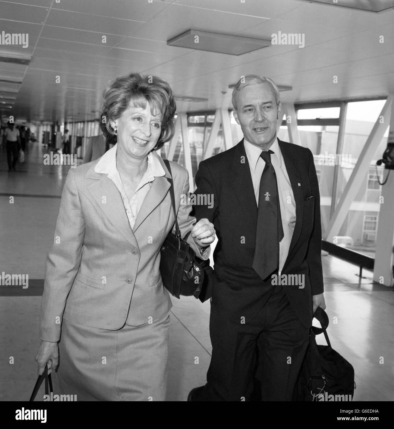 Politics - Tony Benn - Falklands Conflict - Heathrow Airport, London - Stock Image