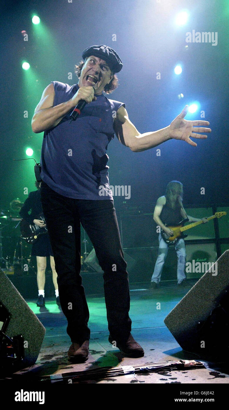 Brian Johnson Acdc Stock Photos & Brian Johnson Acdc Stock Images ...