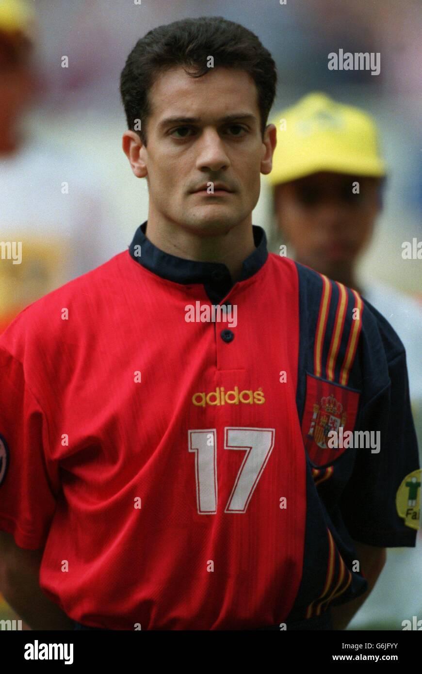 Soccer, Euro 96. England v Spain, Wembley. Javier manjarin, Spain Stock Photo