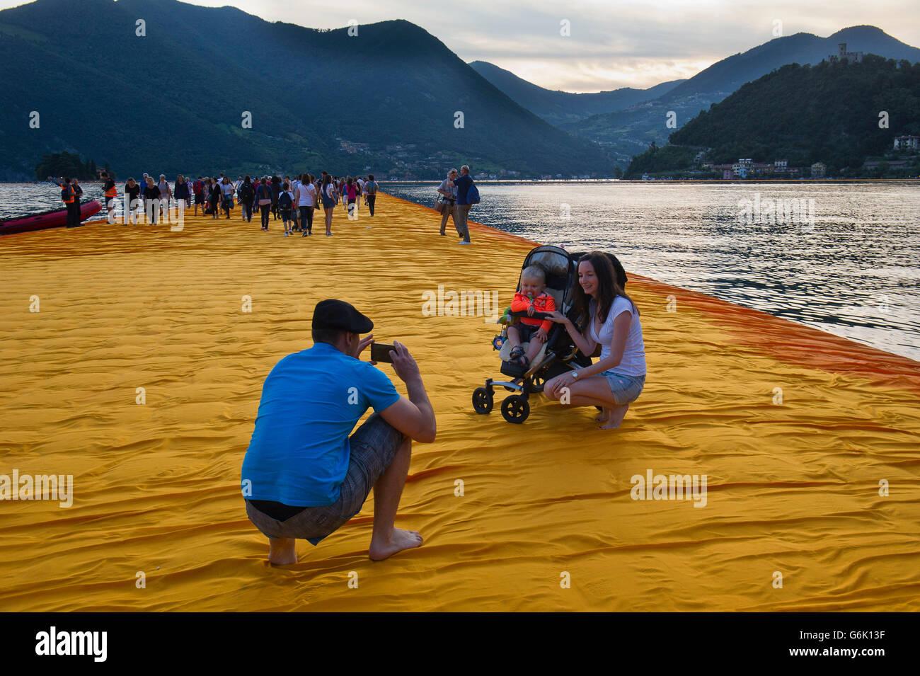 Lake Iseo Italy. Lombardy Christo Vladimirov Yavachev realized The Floating Piers linking Sulzano with Montisola - Stock Image
