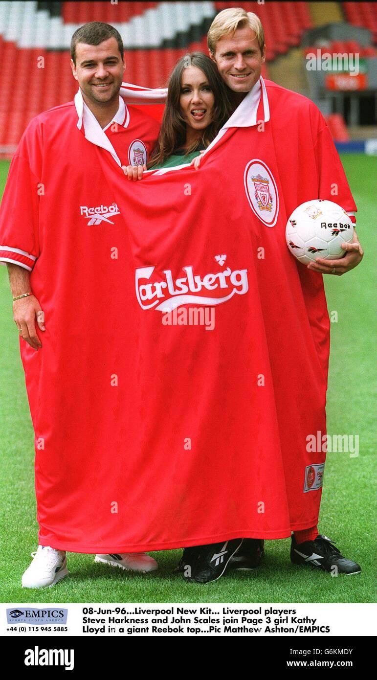 huge selection of aa476 ba0c8 Reebok - Liverpool New Kit Stock Photo: 107383303 - Alamy