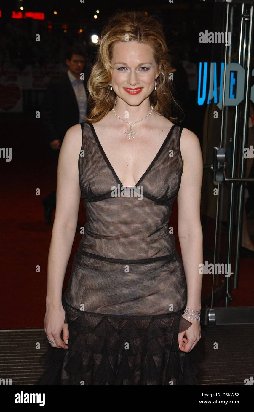 images Laura Linney