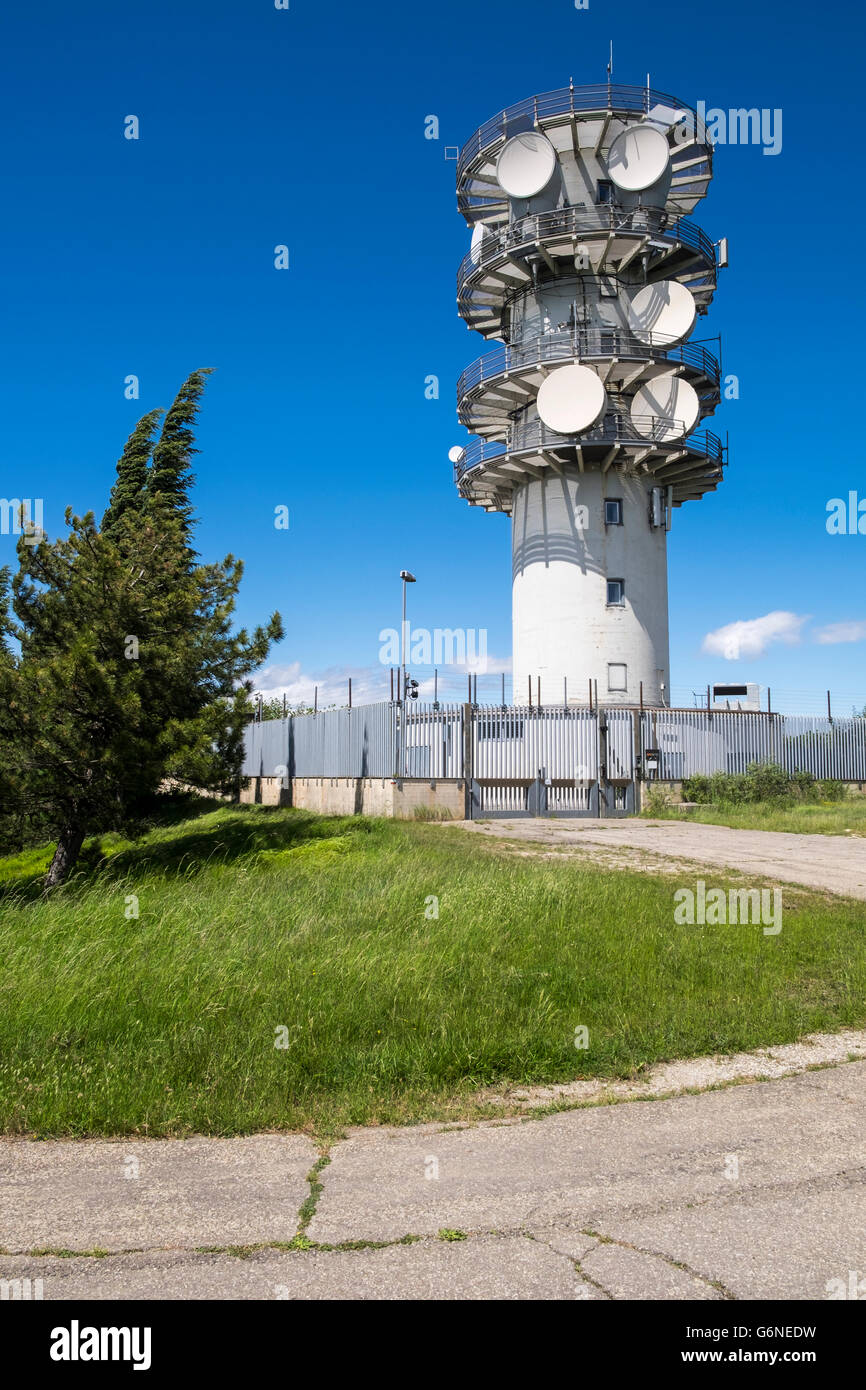 Telecommunications mast with sattellite dishes and aerials near Sasso Rosso in Italy - Stock Image