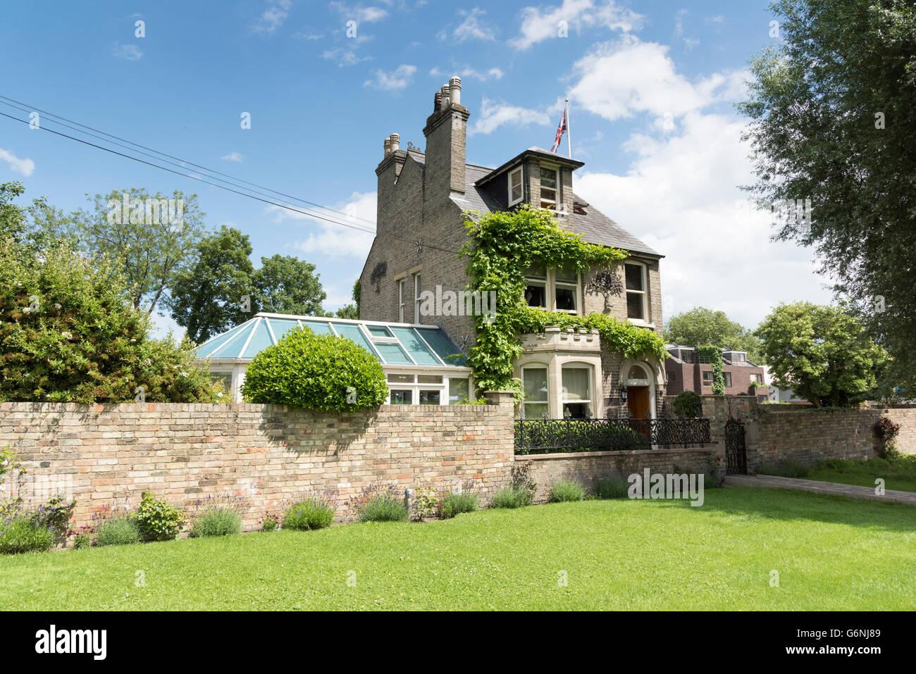 Midsummer House Restaurant Cambridge midsummer house stock photos & midsummer house stock images