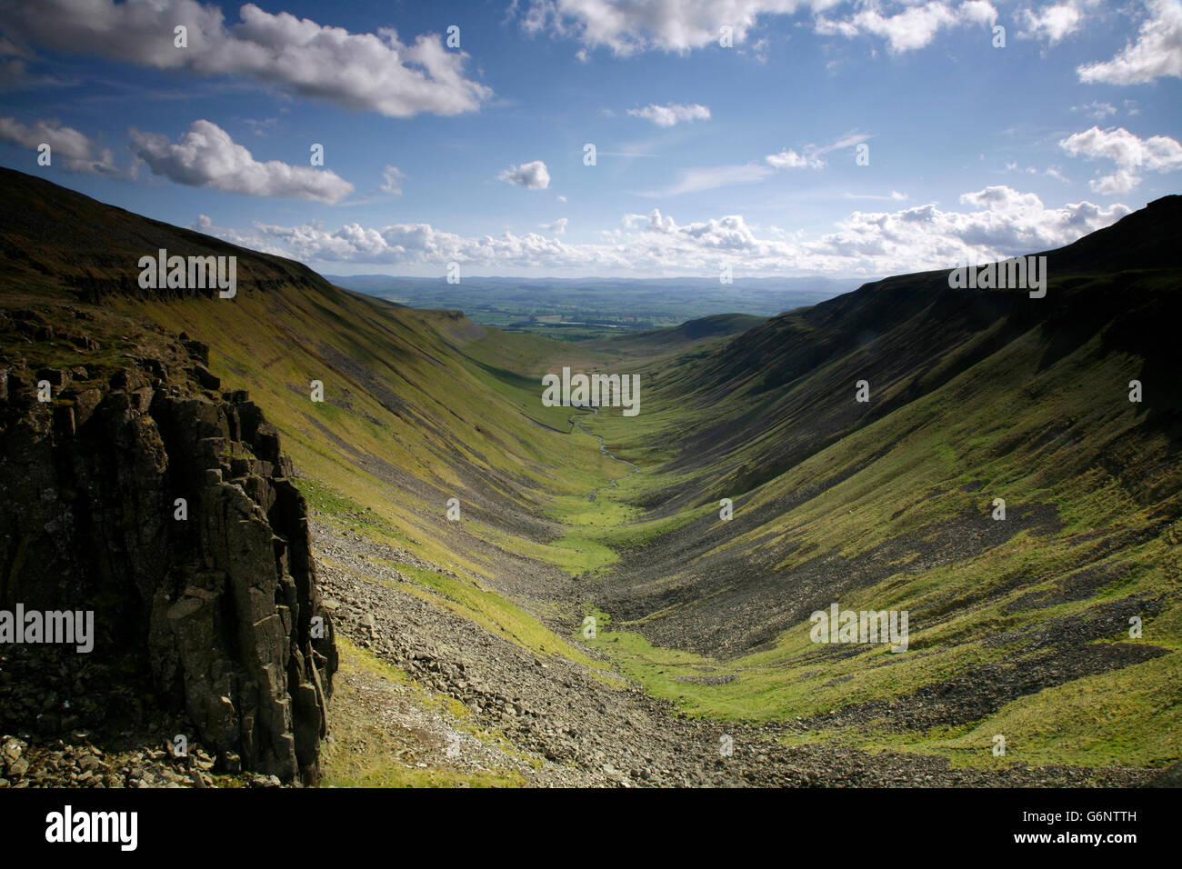 View of High Cup from the Pennine Way, Cumbria, England, UK - Stock Image