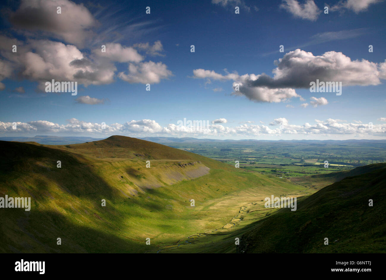 View form the Pennine Way over High Cup Gill to Murton Pike, Eden Valley, Cumbria, England, UK - Stock Image