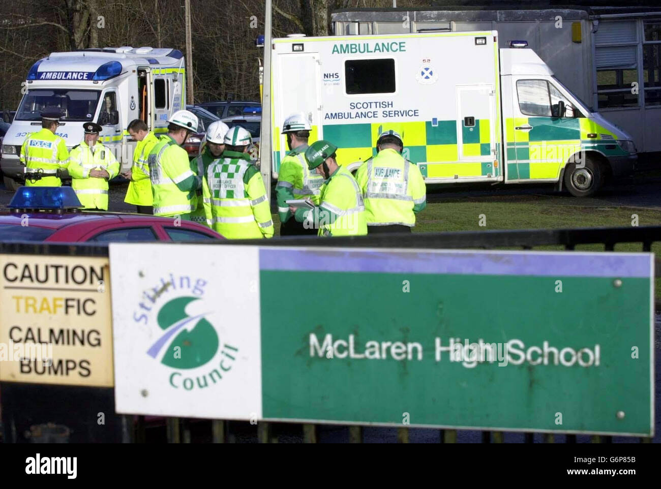 Mclaren High School >> Ambulance Crew Outside Mclaren High School In Callander