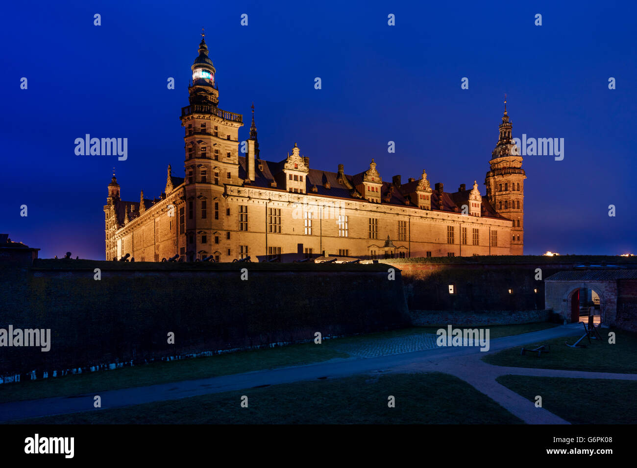 Kronborg Castle in Helsingor, Denmark seen at dusk. The Castle has been added to UNESCO's World Heritage Sites - Stock Image
