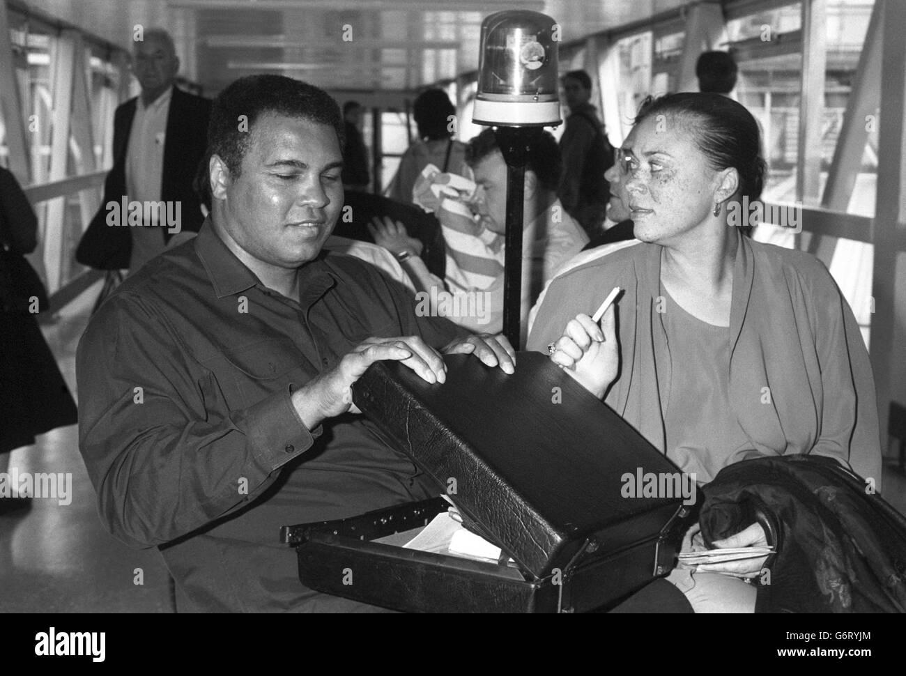 Boxing - Muhammad Ali - Heathrow Airport - Stock Image