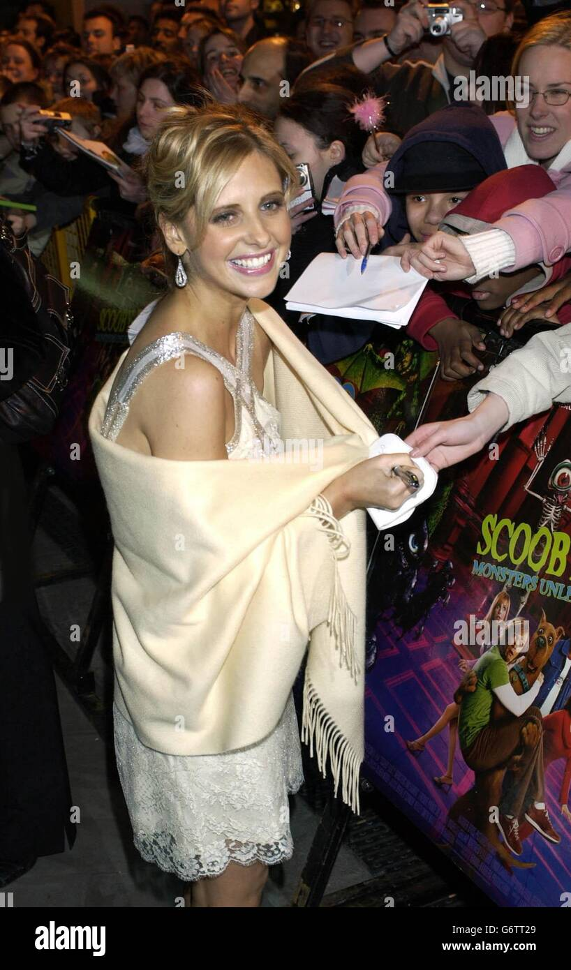 Sarah Michelle Gellar Scooby Doo 2 Monsters Unleashed Premiere Stock Photo Alamy