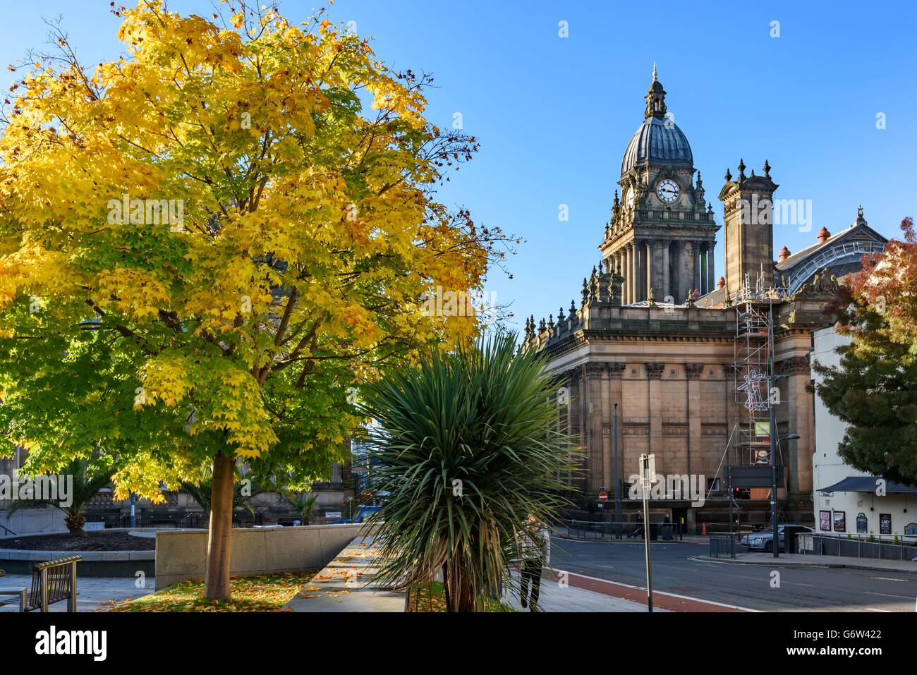 View of Leeds town hall from the Millennium square in Leeds, England. - Stock Image