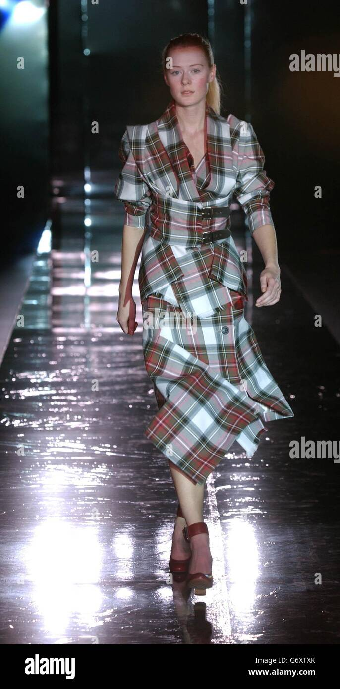 ae75011a7f1 Westwood Fashion In Motion Show Stock Photo: 107540459 - Alamy