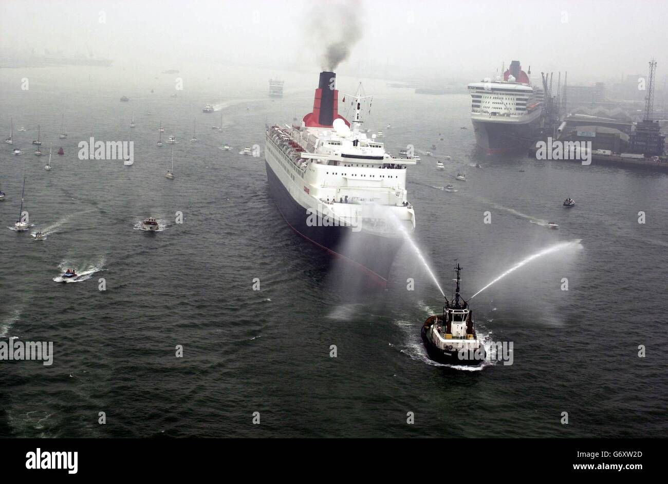 The Queen Mary 2 and the Queen Elizabeth 2 - Stock Image