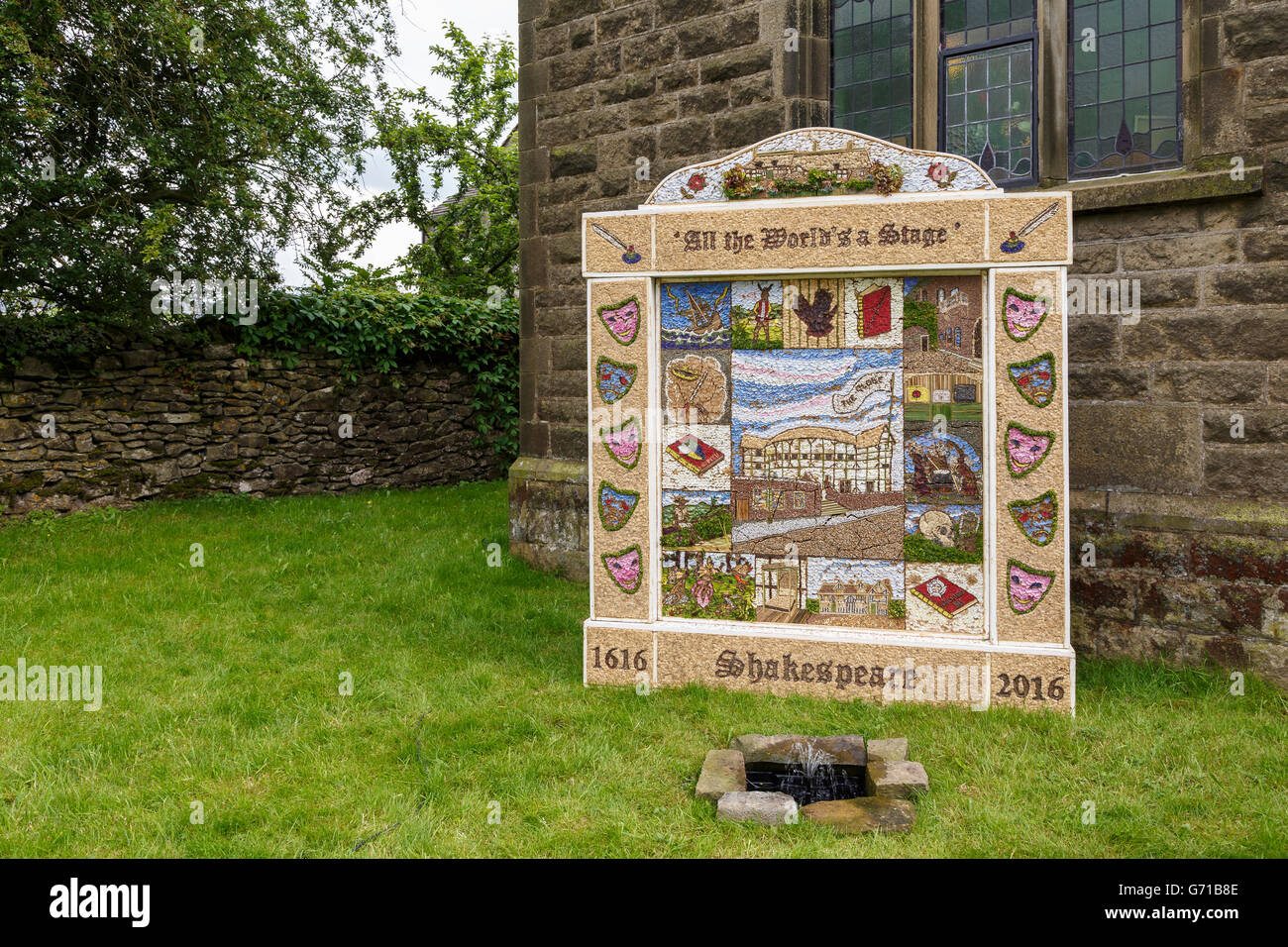 Well Dressing, Litton, Derbyshire.  Shakespeare theme.  A tradition in which pictures are made from petal stuck - Stock Image