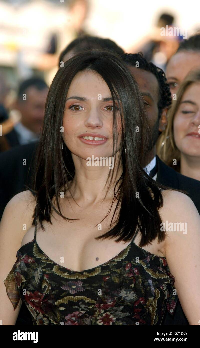 Celebrity Beatrice Dalle naked (51 photos), Sexy, Sideboobs, Boobs, panties 2019