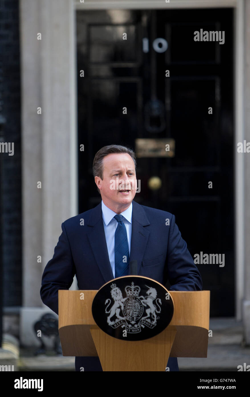Prime Minister David Cameron with his wife Samantha, issues a statement offering his resignation after the Leave - Stock Image