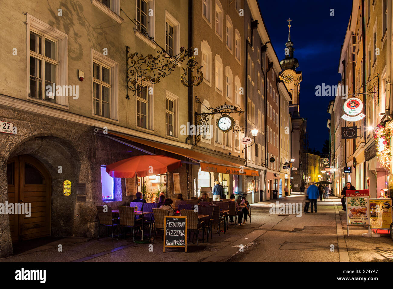 Night View Of An Outdoor Cafe Restaurant In The Old Town Salzburg Stock Photo Alamy