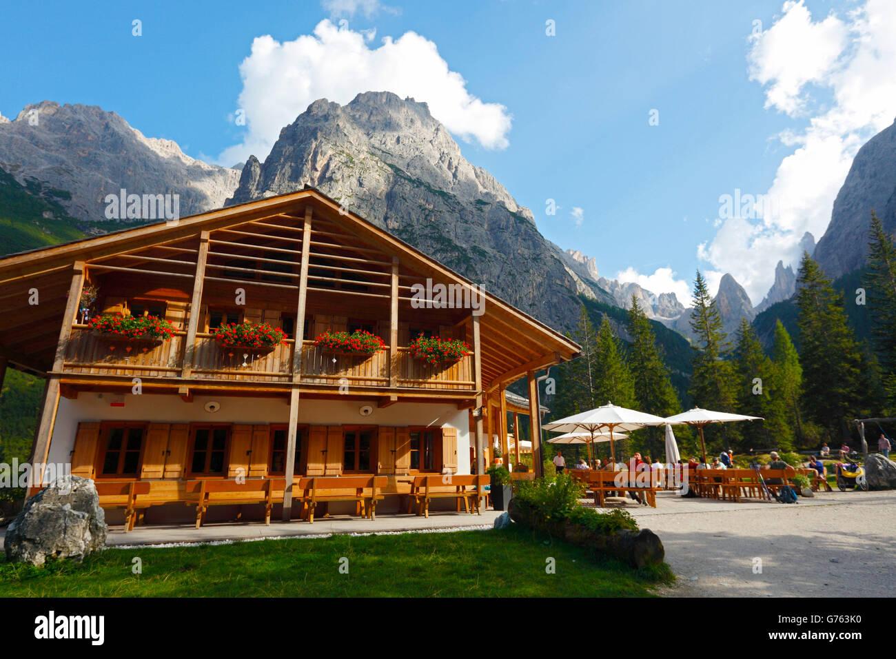 Rifugio Fond Valle, Croda Rossa, Fischleintal, Sextner Dolomiten, South Tyrol, Dolomites, Italy - Stock Image