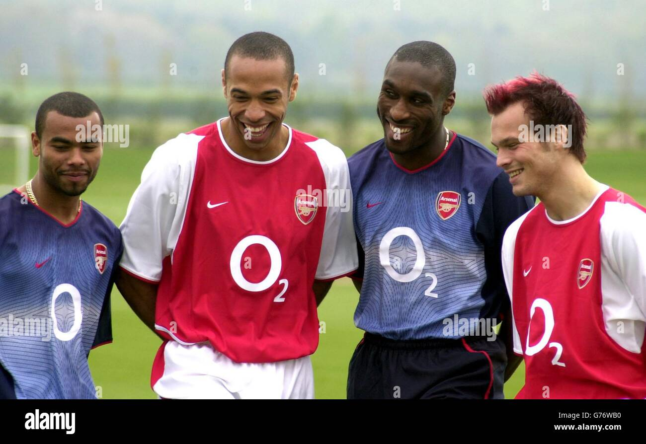 meet fc836 d0c4d New Arsenal sponsor - O2 Stock Photo: 107716420 - Alamy