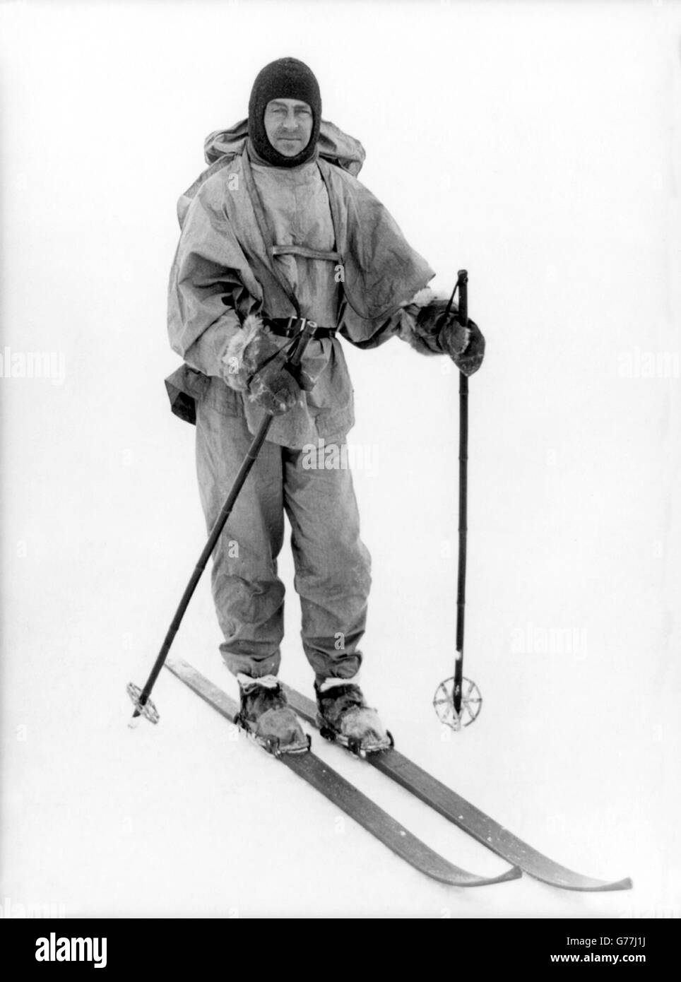 Captain Robert Falcon Scott on skis during the Terra Nova Expedition (British Antarctic Expedition) of 1910-1913. - Stock Image