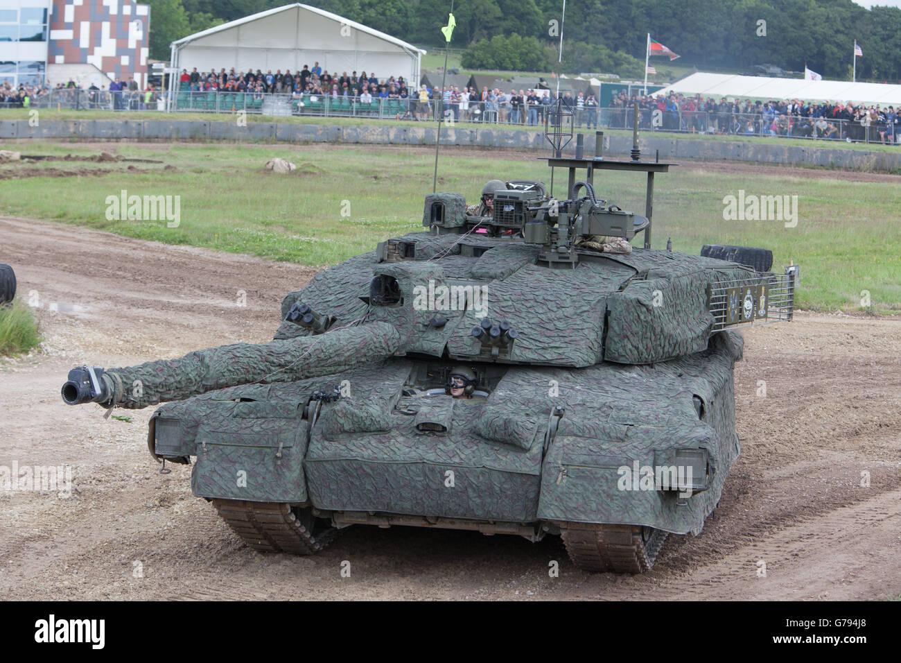 0e2eede33c97 British Army Challenger 2 Main Battle Tank Stock Photos   British ...