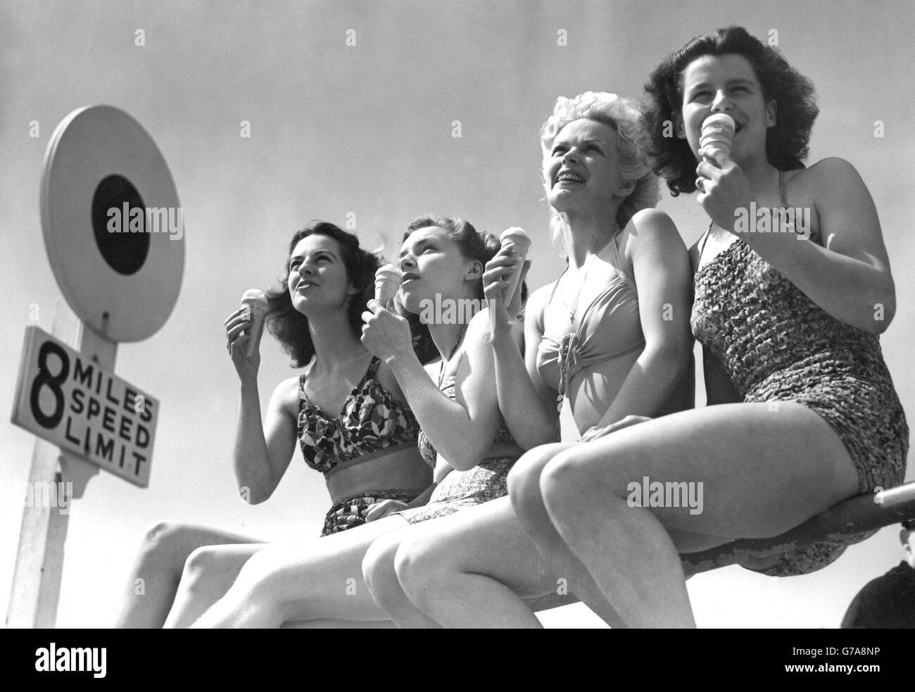 Tourism - Whitsun Holidaymakers - Bournemouth - Stock Image