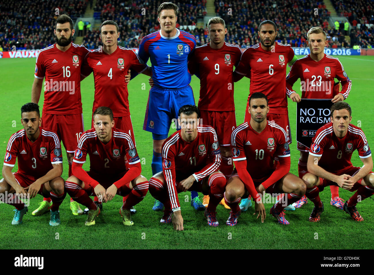 Left Right Wales Chris Gunter Stock Photos & Left Right