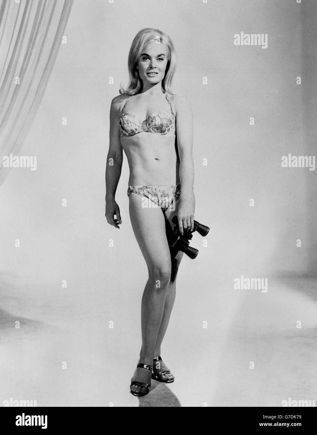 Shirley Eaton Nude Photos 28