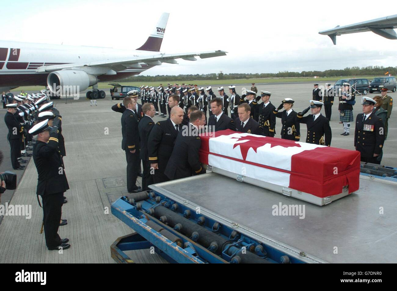 Lieutenant Chris Saunders Honoured - Stock Image