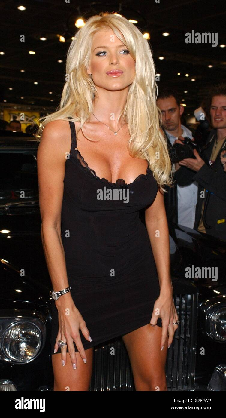Cleavage Victoria Silvstedt naked (65 foto and video), Pussy, Leaked, Twitter, butt 2006