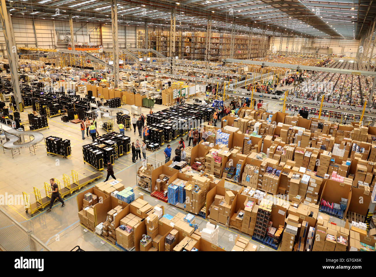 Amazon UK Fulfilment Centre - Peterborough Stock Photo