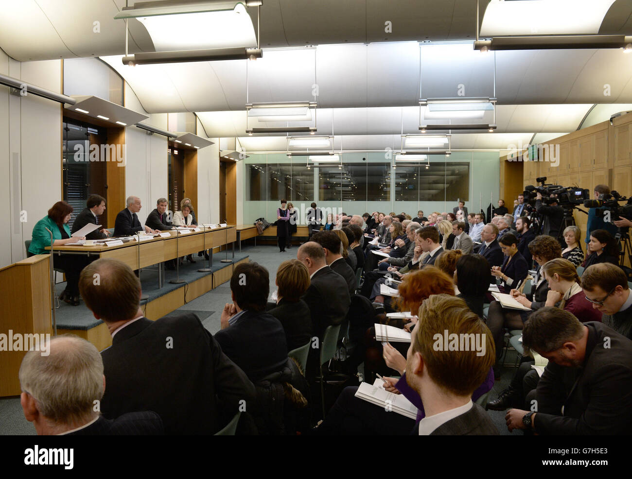Frank Field MP takes part in a Q&A session at the All-Party Parliamentary Inquiry into Hunger in the UK in the House Stock Photo