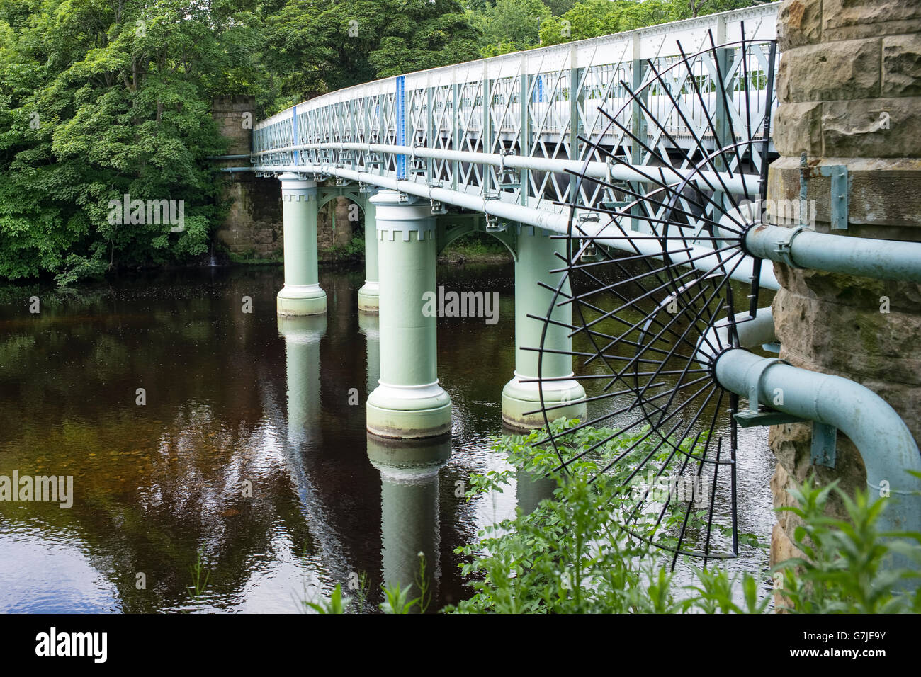 The popular 19th century Deepdale Aqueduct, and footbridge, Barnard Castle, Teesdale, County Durham, England, UK - Stock Image