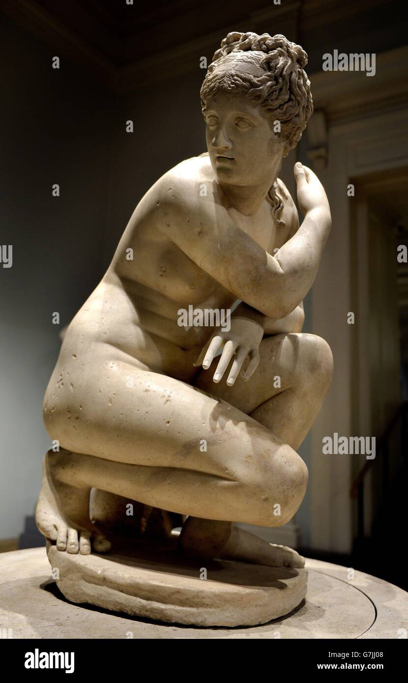 Defining Beauty The Body In Ancient Greek Art Exhibition London Stock Photo Alamy