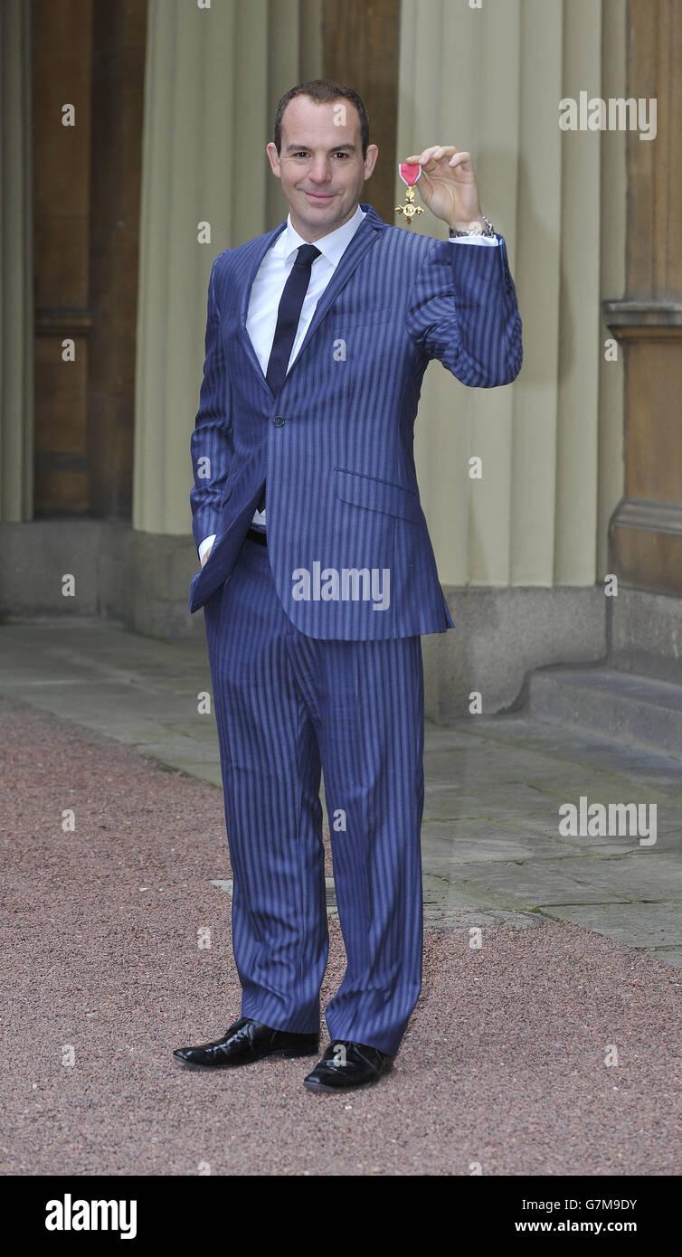 Investitures at Buckingham Palace Stock Photo
