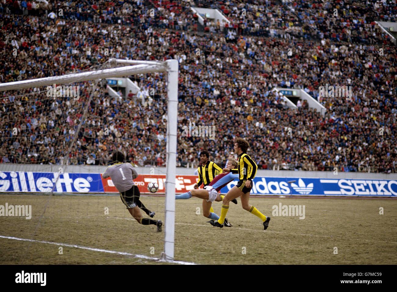 Soccer - Toyota Cup - World Club Championship - Aston Villa v Penarol Stock Photo