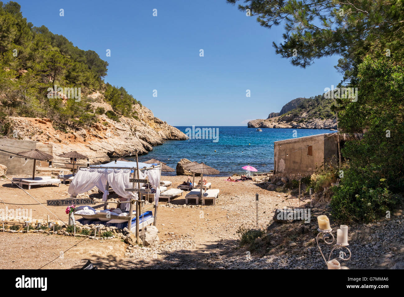Four poster bed on beach at Puerto de San Miguel, Ibiza, Spain, - Stock Image