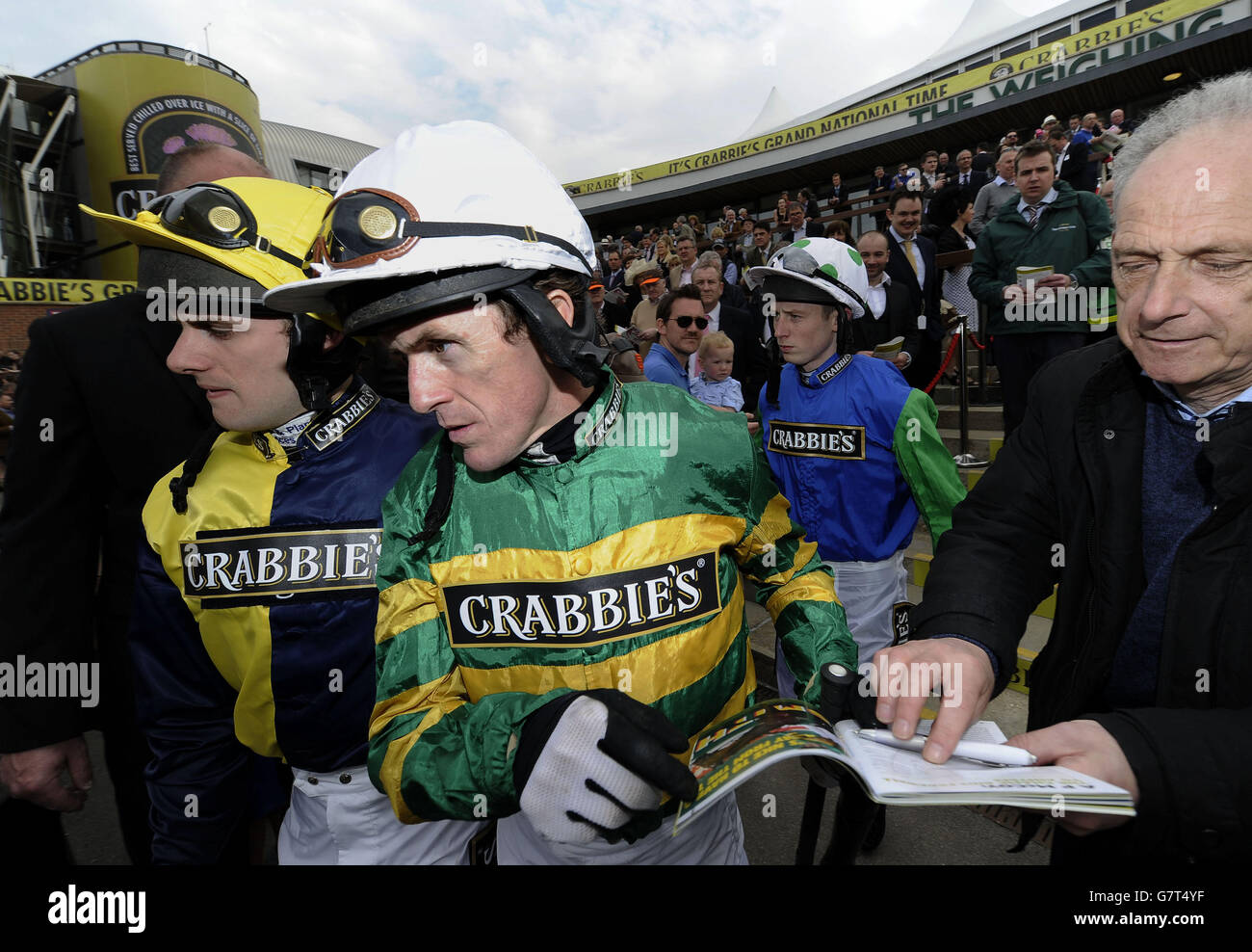 Horse Racing - Crabbies Grand National 2015 - Ladies Day - Aintree Racecourse - Stock Image