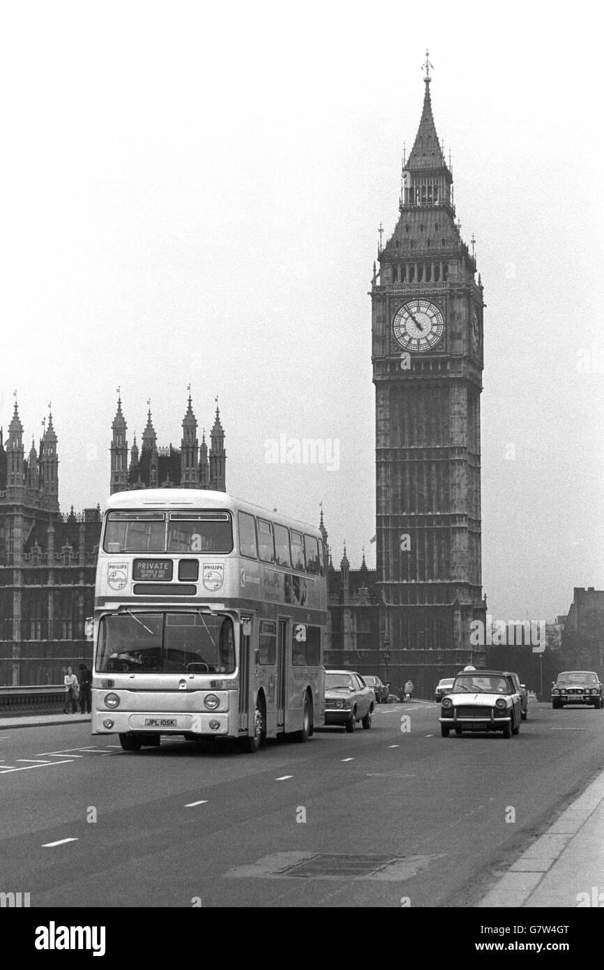 Royalty - Silver Jubilee Celebrations - London Transport - London - Stock Image