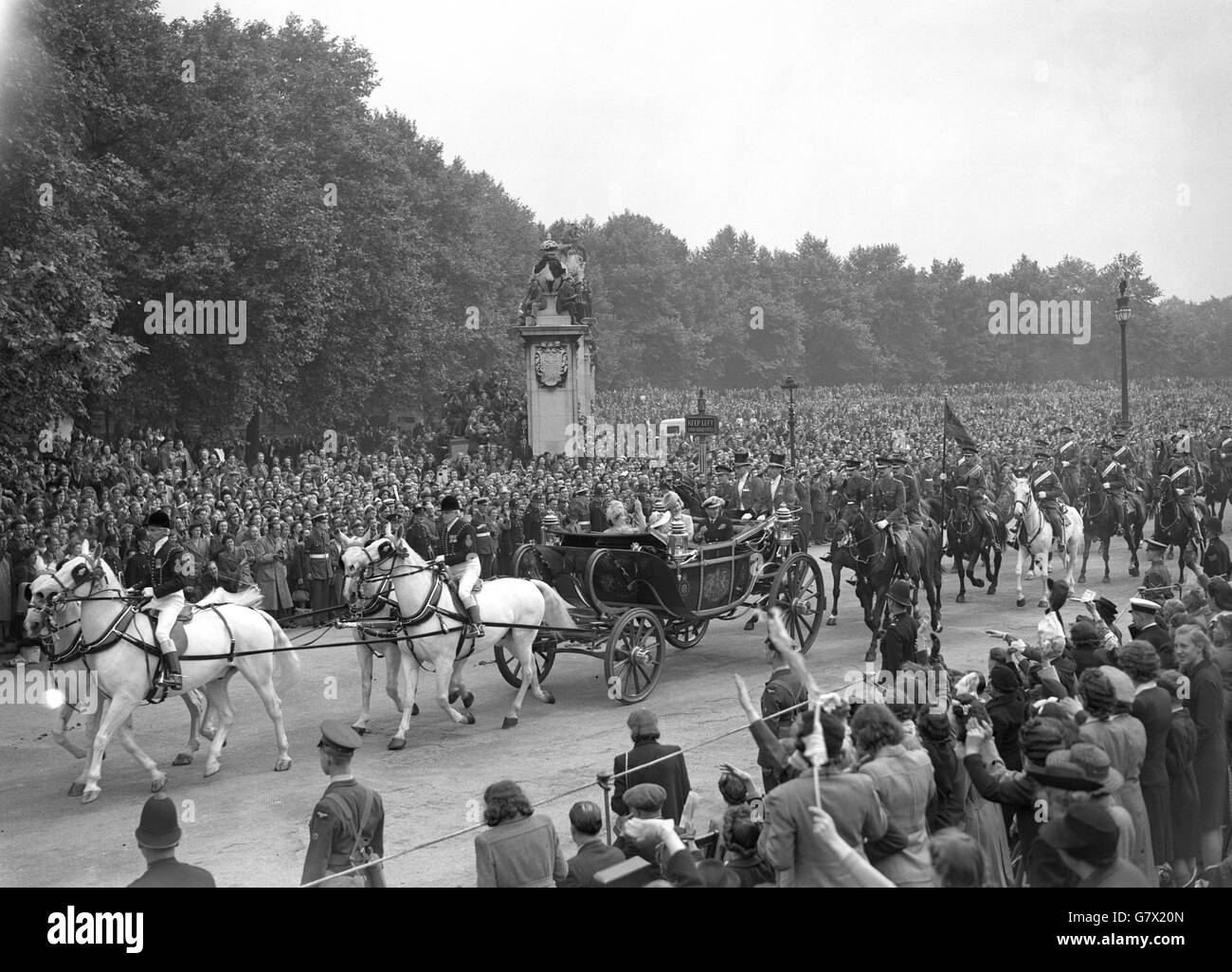 Royalty - Victory Day - Buckingham Palace, London - Stock Image